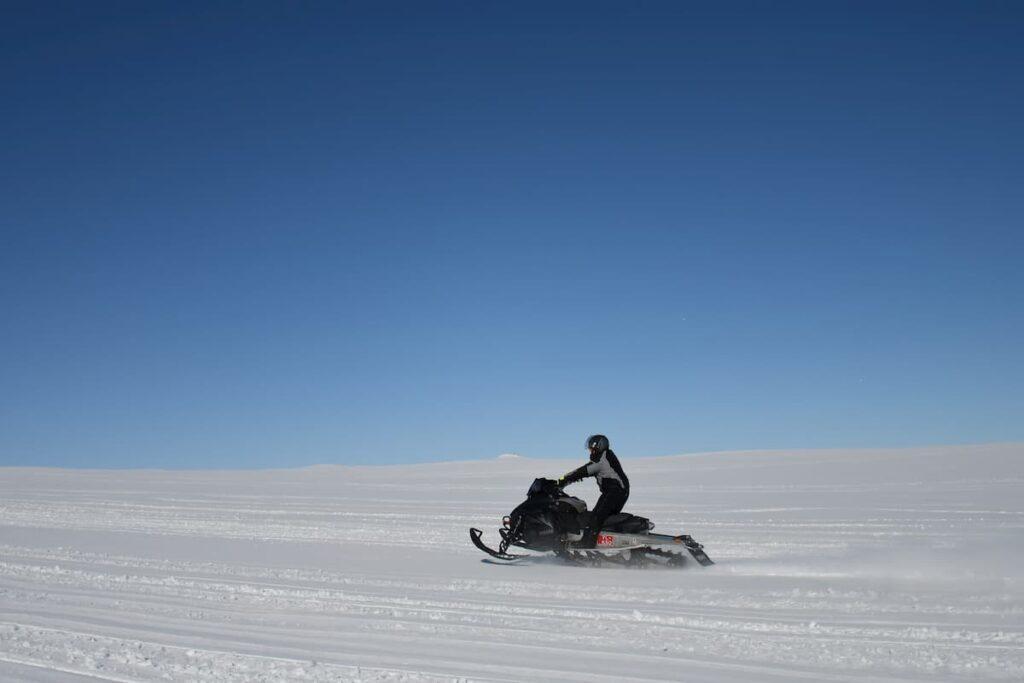 Escursione in motoslitta Svalbard